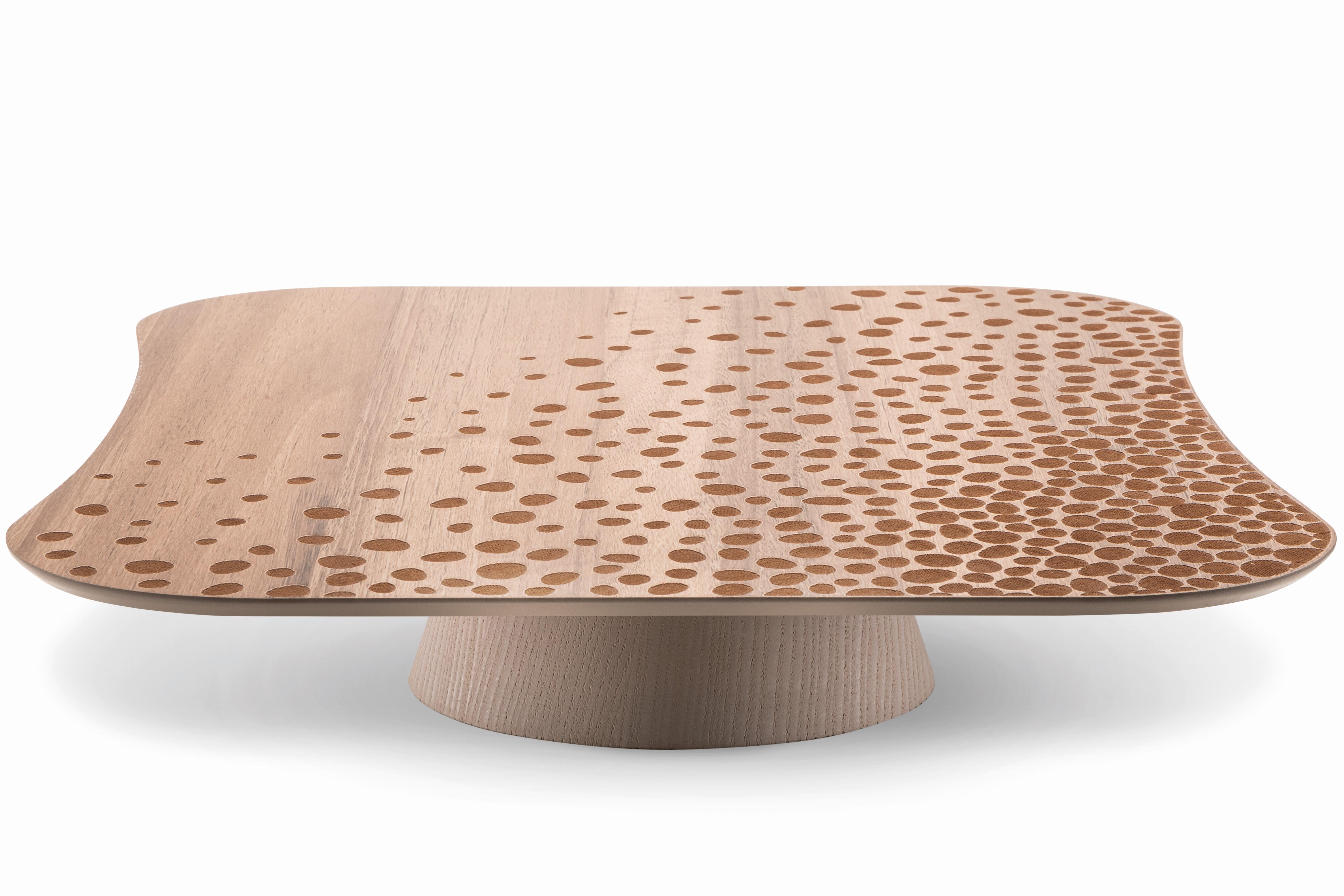 Alzatina in legno modello Terra 33x33 h10